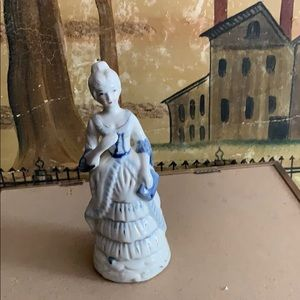 Vintage porcelain lady in blue and white